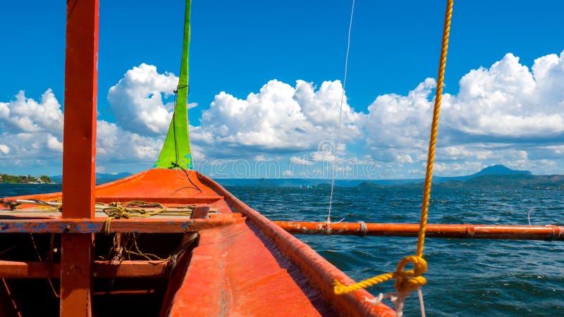 Bootsreise auf dem Taal, Philippinen lizenzfreies stockbild