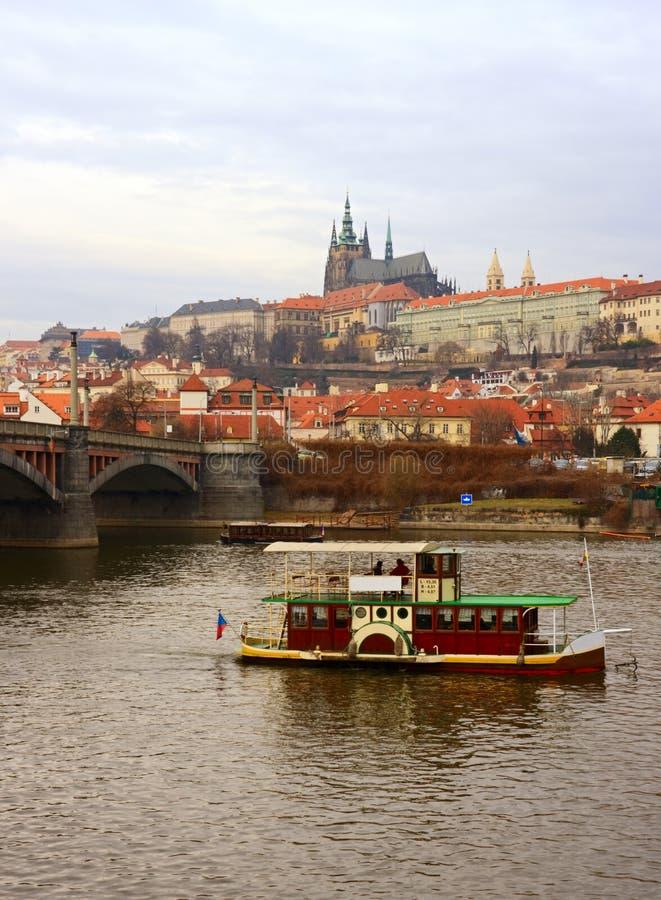 Bootsreise in Prag lizenzfreie stockfotos