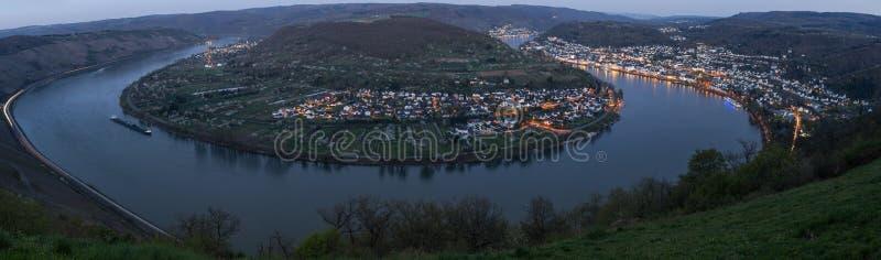 Boppard Allemagne de boucle du Rhin dans le panora de haut de définition de soirée image stock
