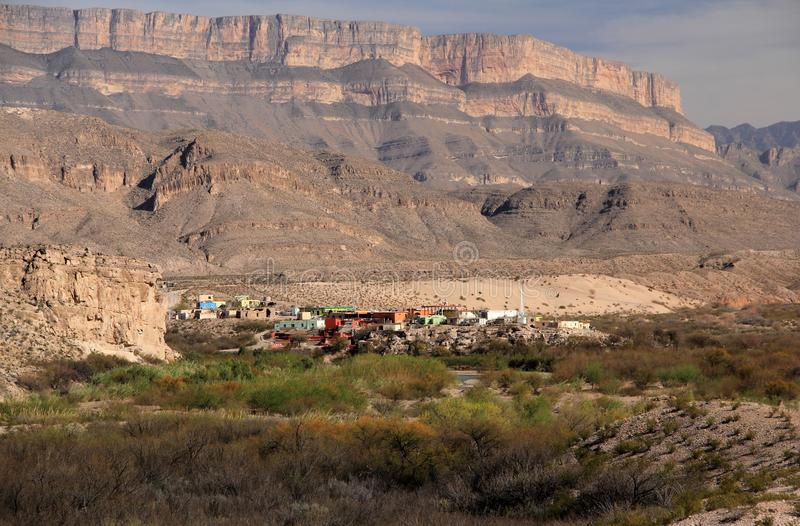 Boquillas del Carmen como visto do parque nacional de curvatura grande imagem de stock royalty free