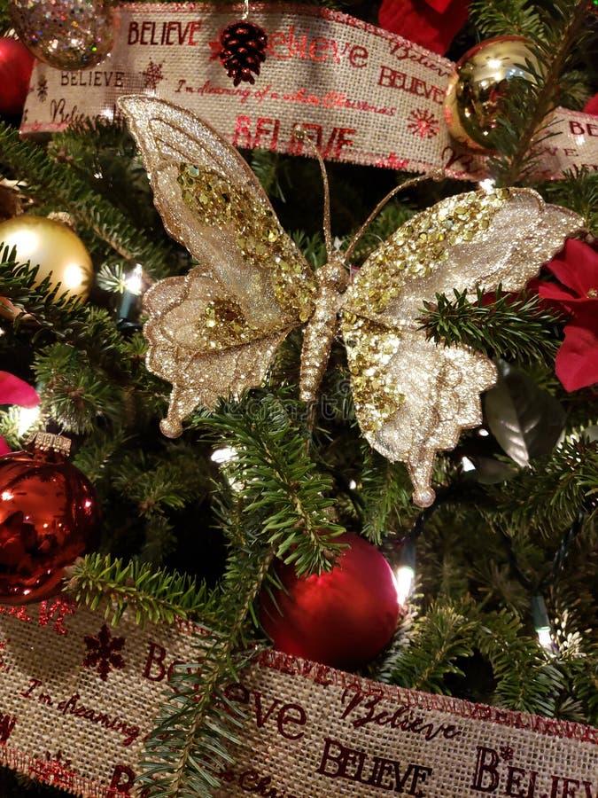 Borboleta dourada do Natal imagens de stock royalty free