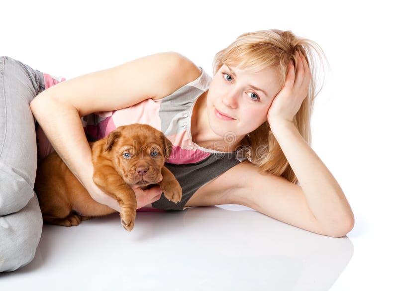 Download Bordów De Dogue Dziewczyny Szczeniaka Potomstwa Zdjęcie Stock - Obraz złożonej z atrakcyjny, przyjaźń: 13327948