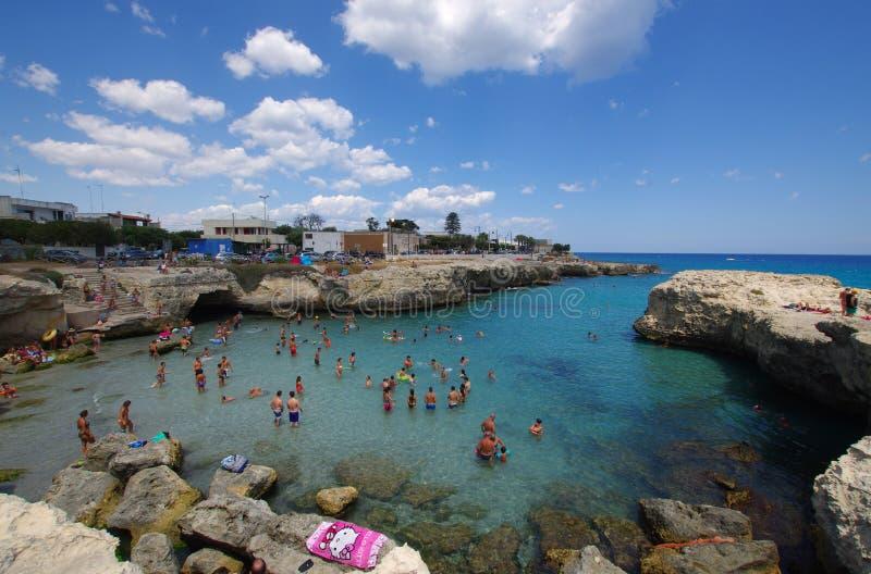 Bord de la mer de Roca Vecchia Salento photo libre de droits