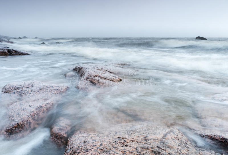 Bord de la mer venteux photographie stock libre de droits