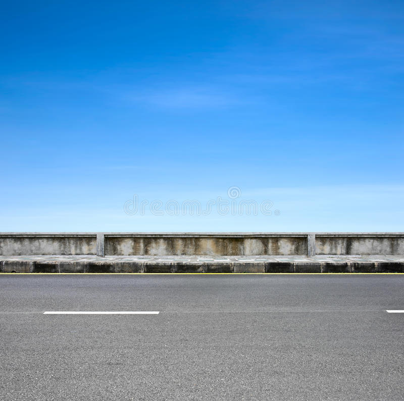 Bord de la route et trottoir photos libres de droits