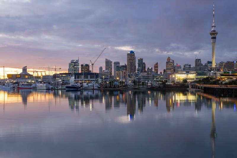 Bord de mer d'Auckland par nuit photo stock