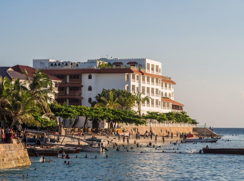 Bord de mer dans la ville en pierre, Zanzibar, Tanzanie photographie stock libre de droits