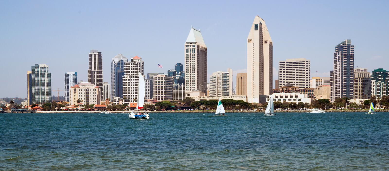 Bord de mer de San Diego California Downtown City Skyline de voiliers images stock