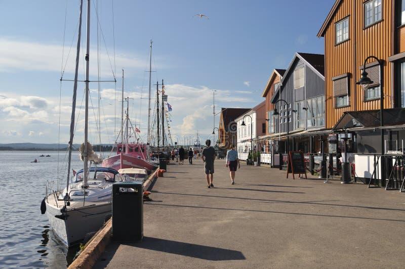 Bord de mer de Tonsberg, Brygge, avec des restaurants images stock