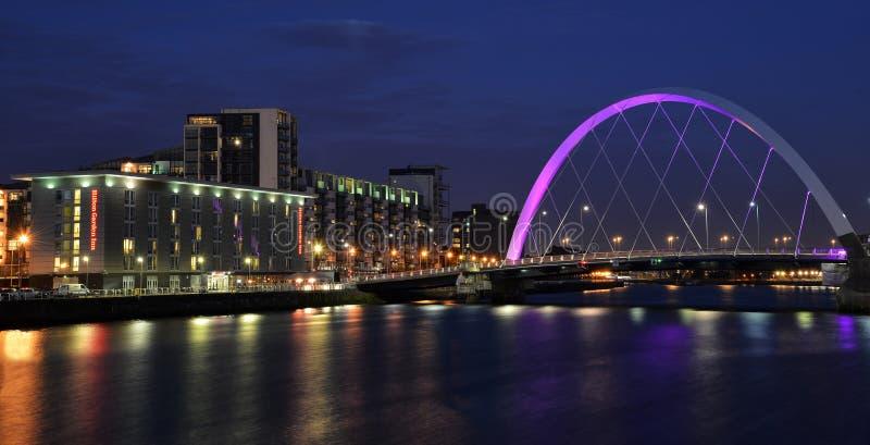 Bord de mer du ` s de Glasgow avec Glasgow Arc au crépuscule image libre de droits