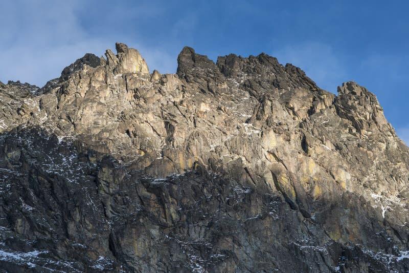 Bord pointu de montagne images libres de droits