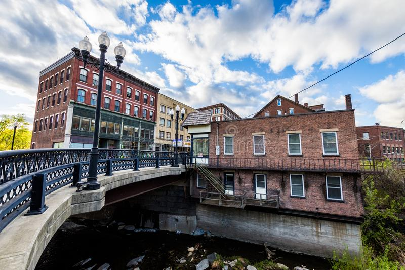 Borda de Brattleboro do centro, Vermont acima do ribeiro da mó fotos de stock royalty free