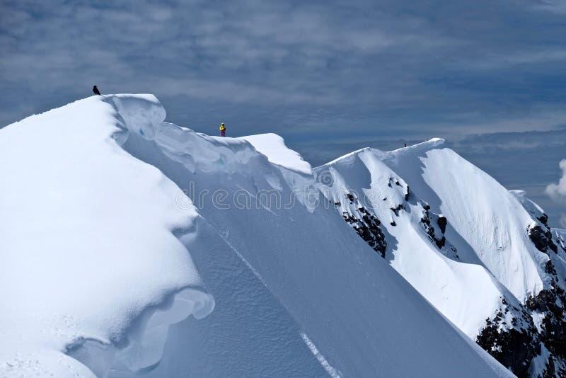 Borde del cráter del Monte Saint Helens con la cornisa de la nieve fotos de archivo libres de regalías
