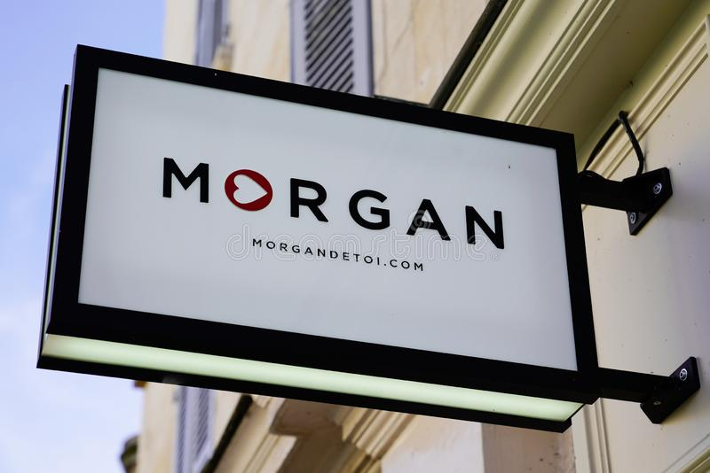 Bordeaux , Akwitania / Francja - 12 04 2019 : Morgan shop retail logo dziewczyny odzież moda storefront znak zdjęcia stock