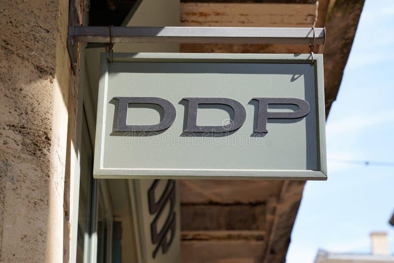 Bordeaux , Aquitaine / Франция - 09 18 2019 : магазины вывесок DDP исключительно женский магазин готовый носить штаб-квартиру бре стоковая фотография rf