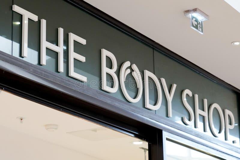 Bordeaux , Aquitaine / France - 09 23 2019 : Le logo de Body Shop, magasin d'enseignes British cosmetics, société de soins de la  photos stock