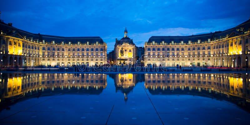Bordeaux de miroir de brume de l'eau de brume, l'Aquitaine, France photos libres de droits
