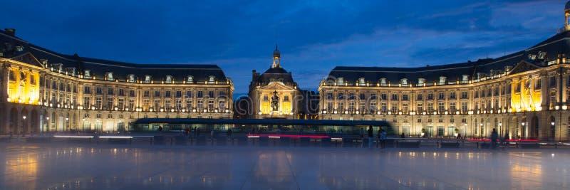 Bordeaux de miroir de brume de l'eau de brume, l'Aquitaine, France photos stock