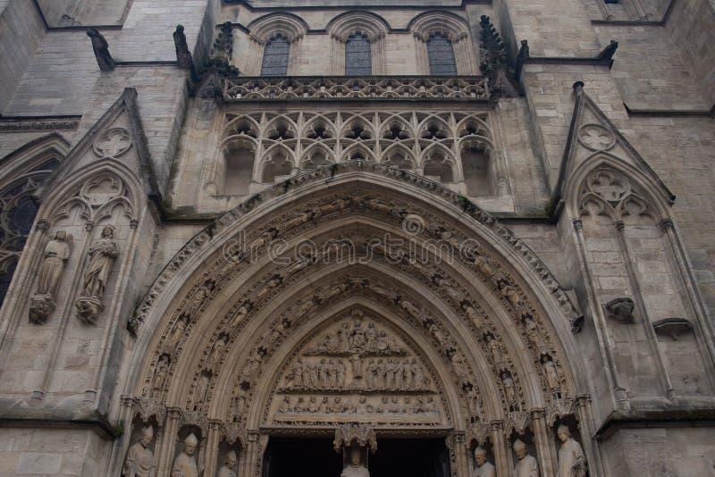 BORDEAUX, FRANKREICH - 6. JUNI 2017: Bordeaux-Kathedrale Cathedrale Heilig-Andre de Bordeaux ist eine Roman Catholic-Kathedrale,  lizenzfreie stockbilder