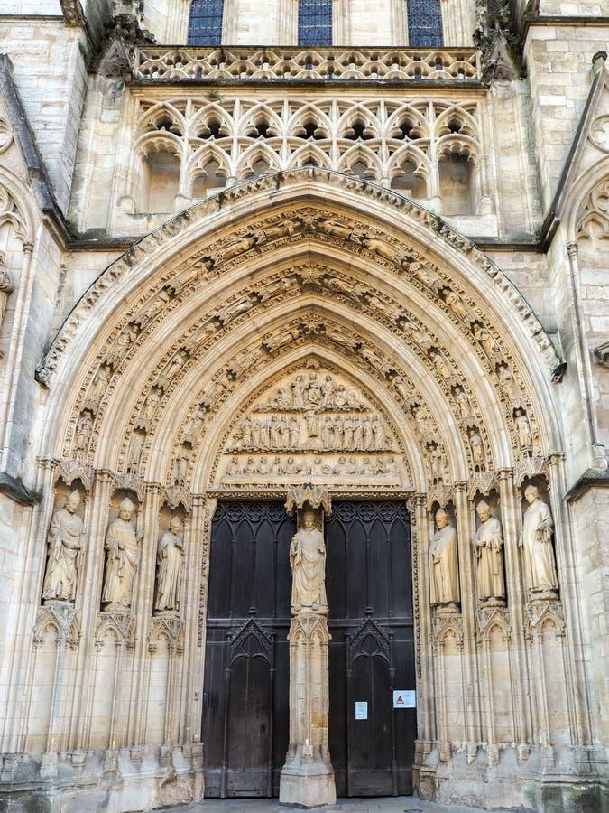 BORDEAUX, GIRONDE/FRANCE - SEPTEMBER 20 : Entrance Arch Of ...