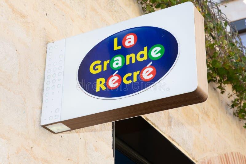 Bordeaux, l'Aquitania/Francia - 22 marzo 2019: il recree grande della La del segno del negozio nel gruppo di LUDENDO è una societ immagine stock libera da diritti