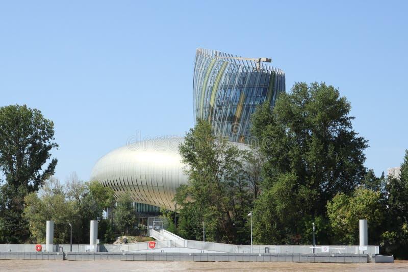 Bordeaux, nouvelle l'Aquitaine/France - 09 02 2018 : Citez du Vin est le musée de vin consacré à la production de vin du pays de  photographie stock libre de droits