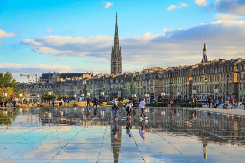 Bordeaux vattenspegel i Bordeaux arkivbild