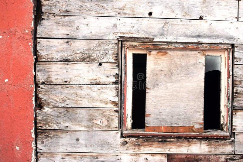Borded op Venster in een Historische Bergstad stock fotografie