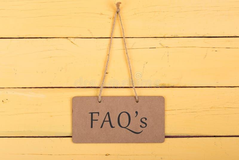 Borden met inschrijving 'FAQ ' royalty-vrije stock afbeelding