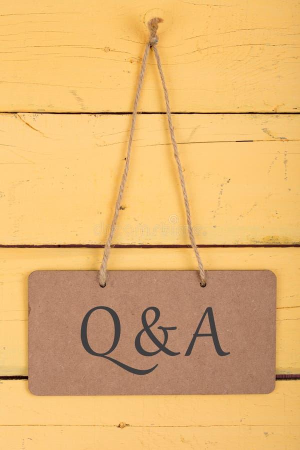 Borden met inschrijving 'Q&A ' royalty-vrije stock foto's