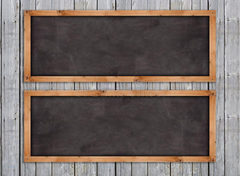 Borden op de houten muur stock afbeelding