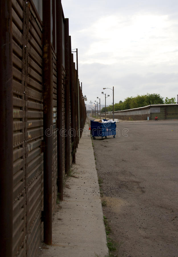 Download Border fence editorial photo. Image of california, smuggling - 26783916