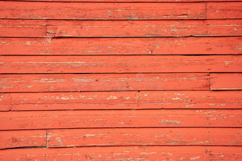 Bordi di invecchiamento dal lato di vecchio granaio rosso fotografie stock libere da diritti
