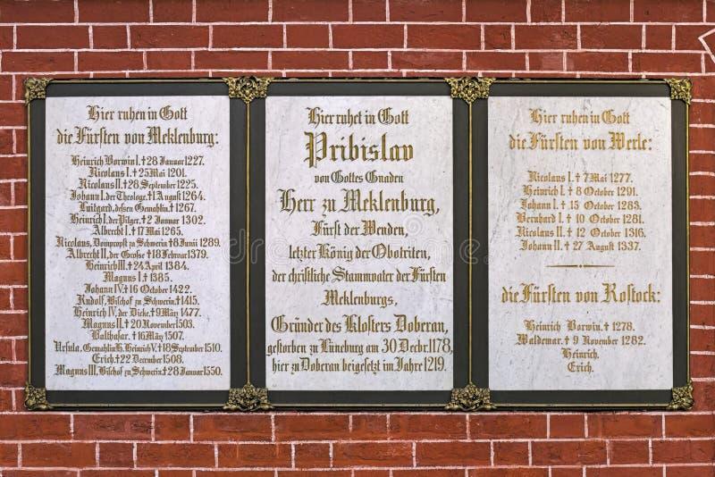 Bordo commemorativo della Camera di Mecklenburg in Doberan Minster, Germania fotografie stock