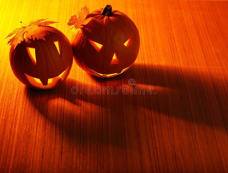 Bordo d'ardore delle zucche di Halloween fotografie stock