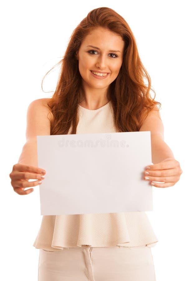 Bordo del segno Donna che tiene grande carta in bianco bianca Emozione positiva immagini stock libere da diritti