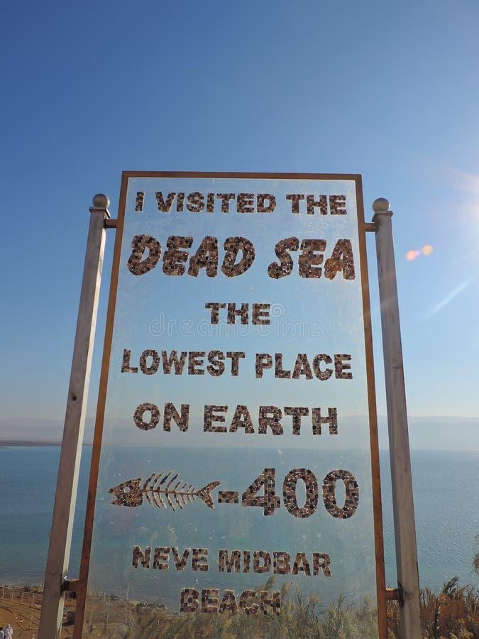 Bordo del segno in mare il mar Morto, Gerusalemme fotografia stock