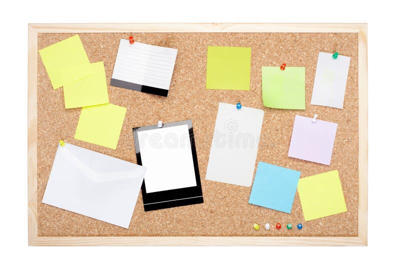 Bordo del sughero con le note in bianco immagini stock libere da diritti