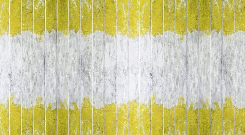 Bordo di legno, parete di legno dipinta gialla e bianca di colore di tono due come fondo o struttura, modello naturale Spazio in  immagini stock libere da diritti