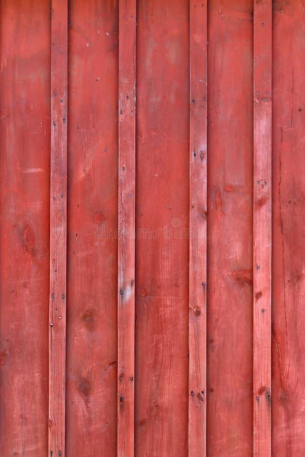 Bordo e fondo rustici rossi di legno del granaio di Batten immagine stock