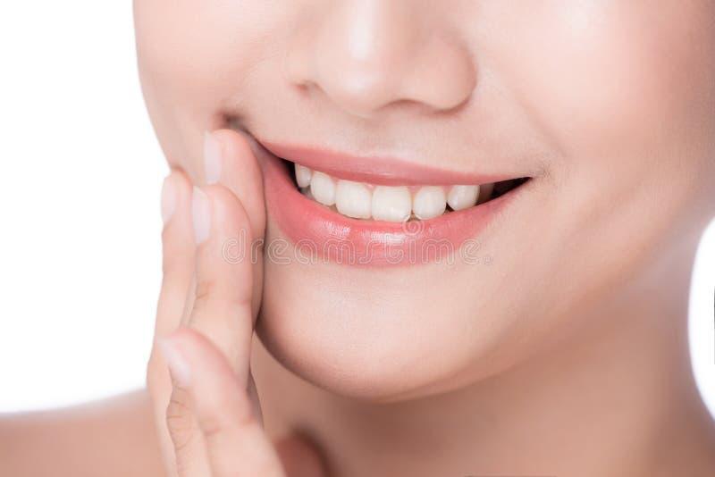 Bordos perfeitos bonitos Fim 'sexy' da boca acima Asiático dos jovens da beleza imagens de stock