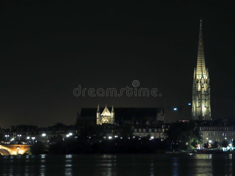 BORDOWIE, GIRONDE/FRANCE - WRZESIEŃ 18: Widok przez rzekę zdjęcie stock