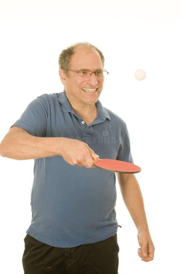 bordtennis för pensionär för pong för manping leka royaltyfri fotografi