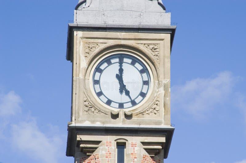 Borduhr über Bahnstation in Gent, Belgien stockfotografie