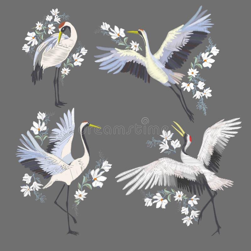 Borduurwerk met kraanvogel Manierdecoratie royalty-vrije stock foto