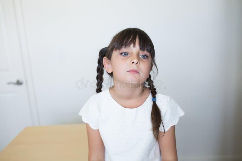 Bored meisje stock afbeelding