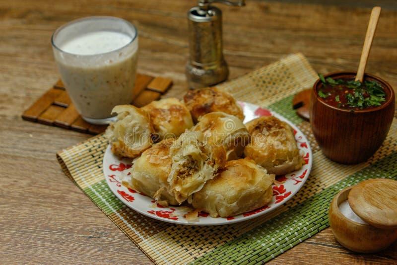 Borek bosniaco tradizionale di manti della pasticceria fotografia stock