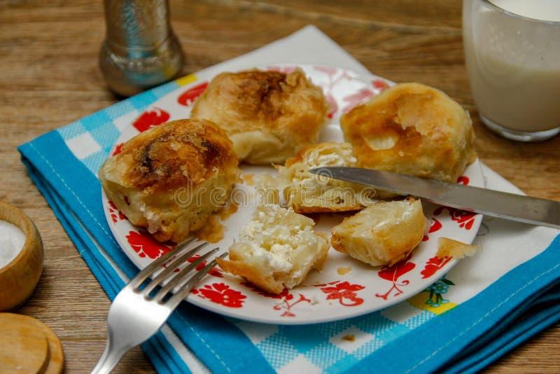 Borek bosniaco tradizionale di manti della pasticceria immagine stock