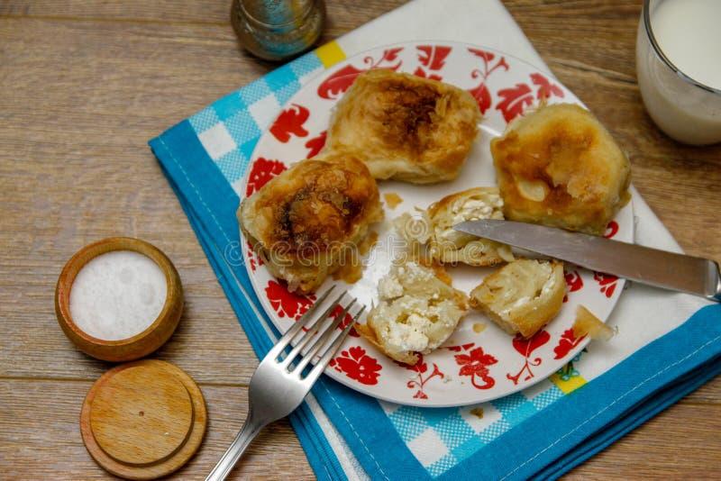 Borek bosnien traditionnel de manti de pâtisserie photo libre de droits