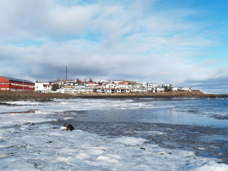 Borgarnes-Stadt, West-Island im Winter lizenzfreie stockfotografie